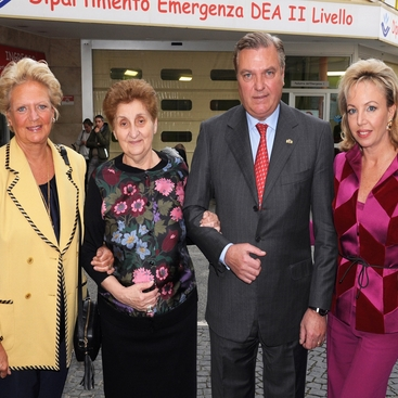 Il viaggio solidale dei Principi Carlo e Camilla di Borbone delle Due Sicilie a Roma per la firma di due protocolli d'intesa e collaborazioni future con la Croce Rossa Italiana